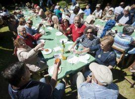 Mas de 1300 personas de «Merendiña» en As Torres