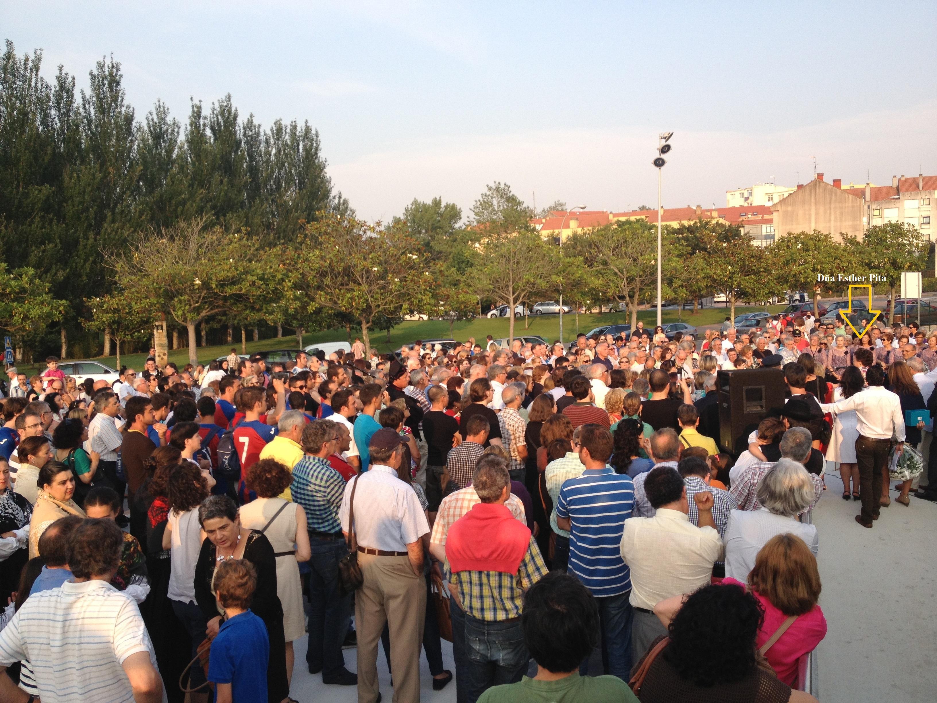 Mas de 700 personas se dan cita en el homenaje a Esther Pita